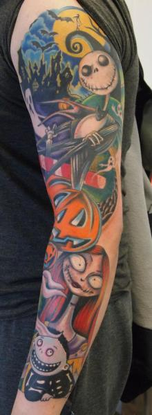 Arm Fantasie Tim Burton Tattoo von Eclipse Tattoo