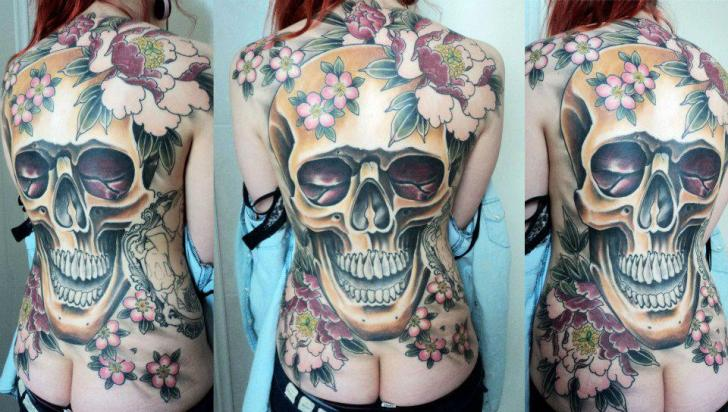 Skull Back Tattoo by Extreme Needle