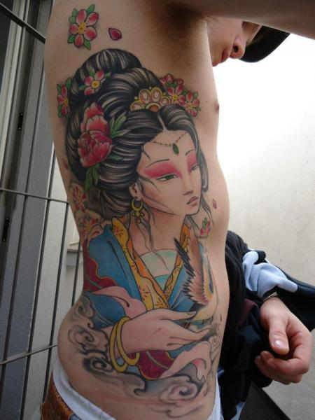 Side Japanese Geisha Tattoo by Extreme Needle