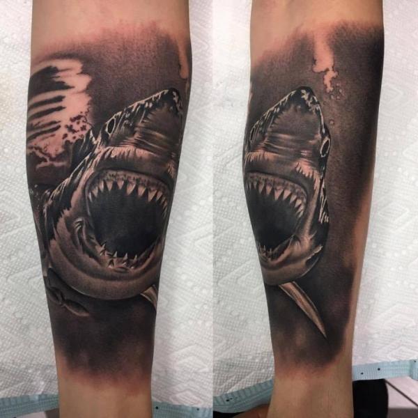 Arm Hai Tattoo von Adrenaline Vancity