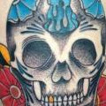 New School Bein Totenkopf tattoo von Adrenaline Vancity