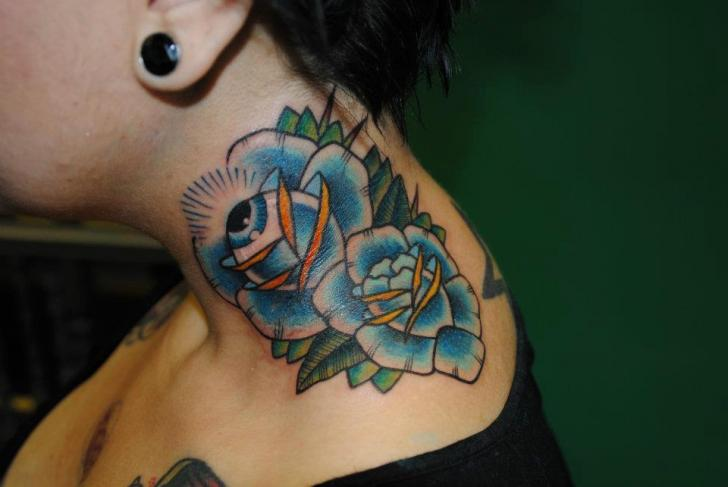 New School Blumen Nacken Tattoo von Hell To Pay Tattoo