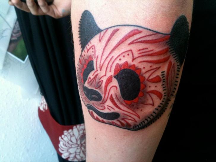 Arm Fantasie Panda Tattoo von Holy Cow Tattoos