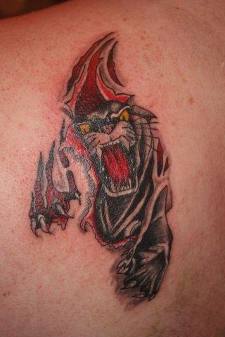Tatuaje Hombro Pantera por Wrexham Ink