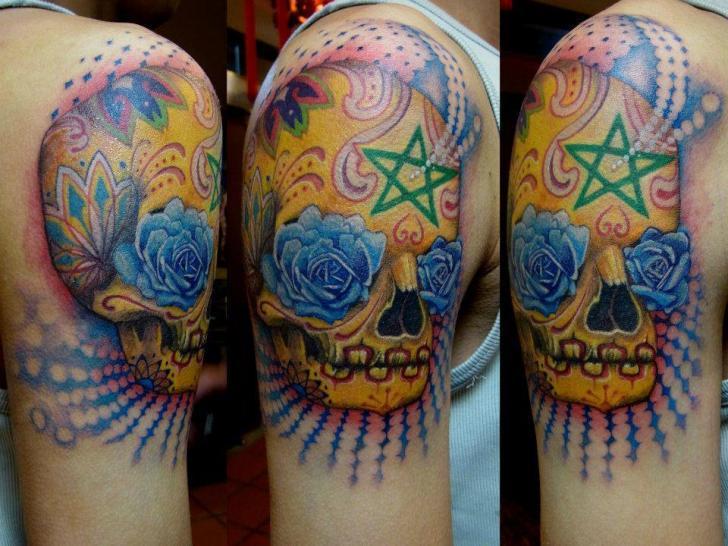 Tatuaggio Spalla Teschio di Orient Soul