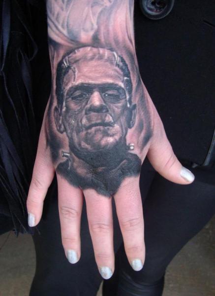 Fantasie Hand Frankenstein Tattoo von Apocalypse Tattoo
