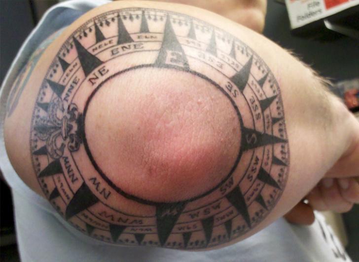 Arm Kompass Tattoo von Bent n Twiztid