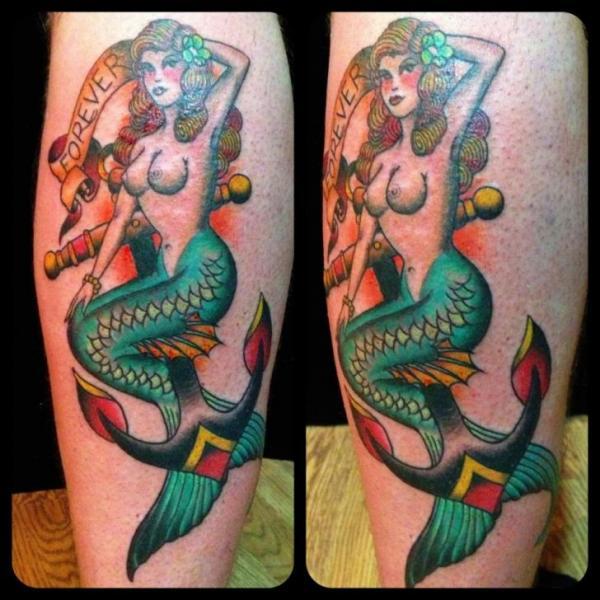 Arm New School Sirene Tattoo von Black Cat Tattoos