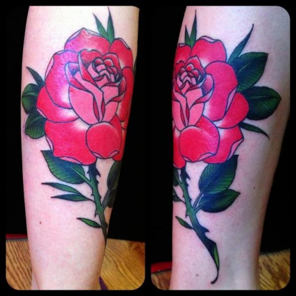 Tatuaje Brazo Flor por Black Cat Tattoos