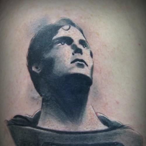 Tatuaje Fantasy Superman por Bohemian Tattoo Arts