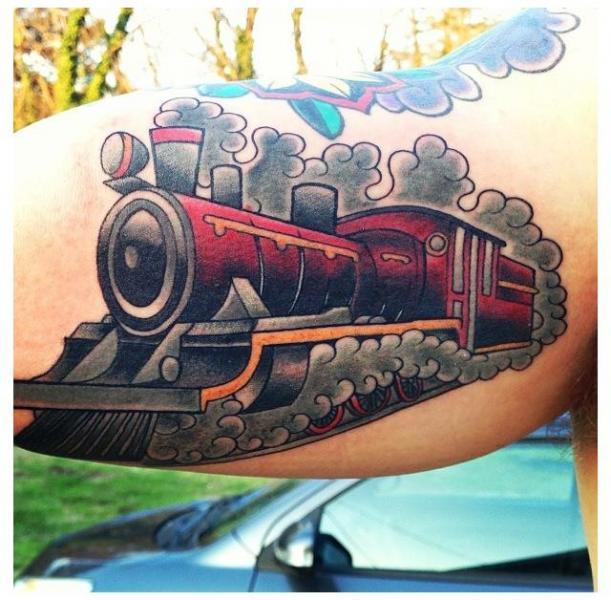 Arm Old School Zug Tattoo von Blood Sweat Tears