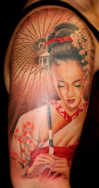 Tatuaje Hombro Japoneses Geisha por Cartel Ink Works