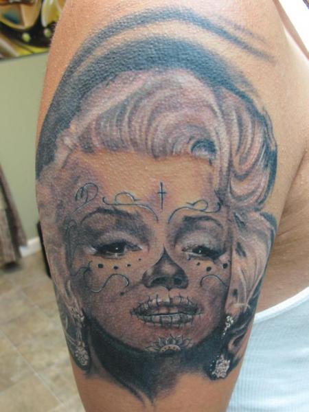 Schulter Marilyn Monroe Tattoo von Cartel Ink Works