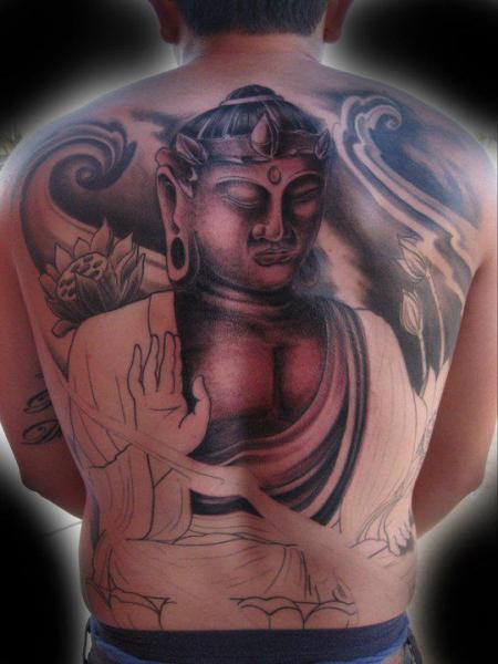 Tatuaje Buda Espalda por Divinity Tattoo