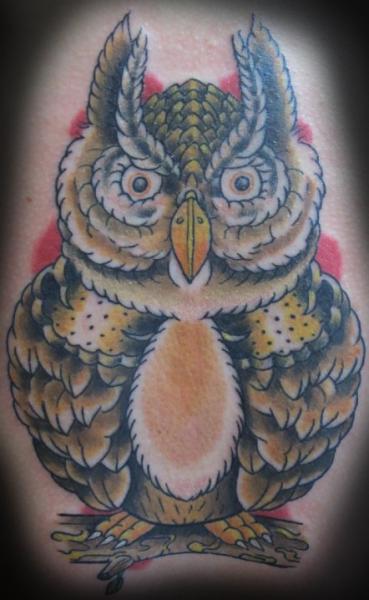 Old School Eulen Tattoo von Divinity Tattoo