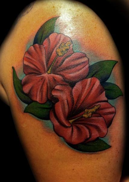 Tatuaje Hombro Realista por Divinity Tattoo