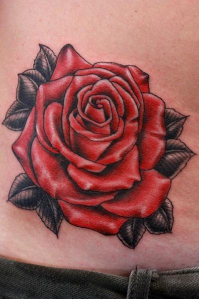 Tatuaje Realista Flor por Gold Rush Tattoo