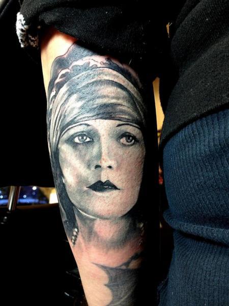 Arm Porträt Realistische Tattoo von Good Mojo Tattoos