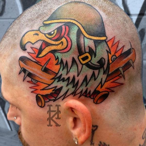 Adler Kopf Charakter Tattoo von Guru Tattoo