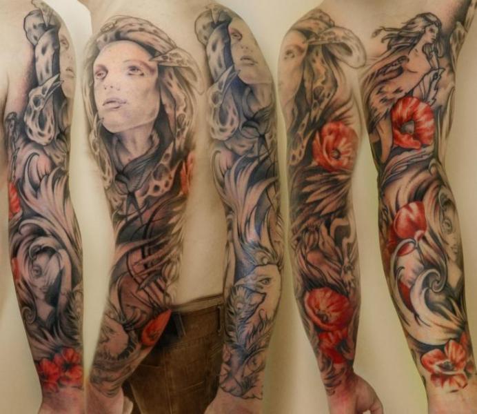 Arm Blumen Frauen Tattoo von Helyar Tattoos