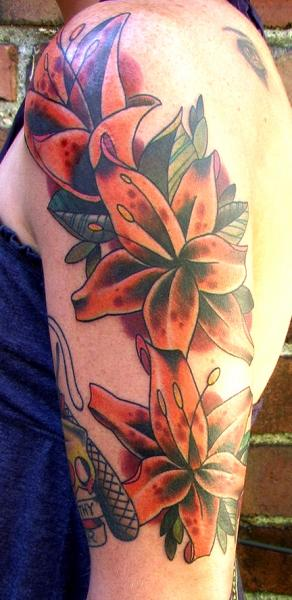 Arm Blumen Tattoo von High Street Tattoo