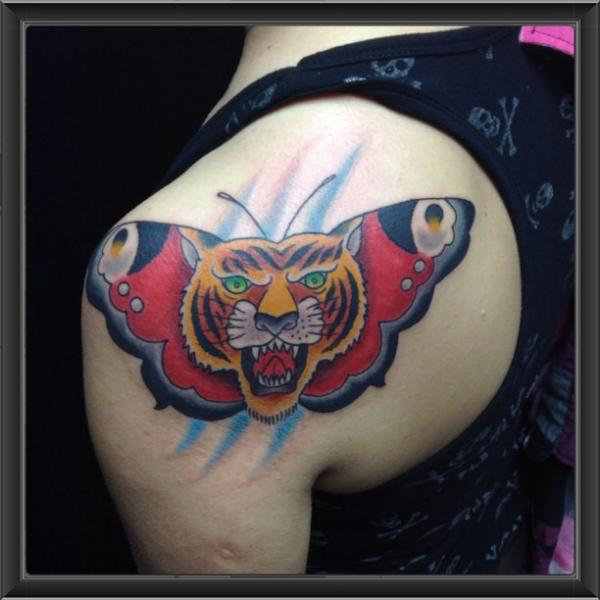 Shoulder New School Butterfly Tiger Tattoo by Indipendent Tattoo