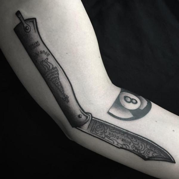 Arm Razor Tattoo by Art Corpus