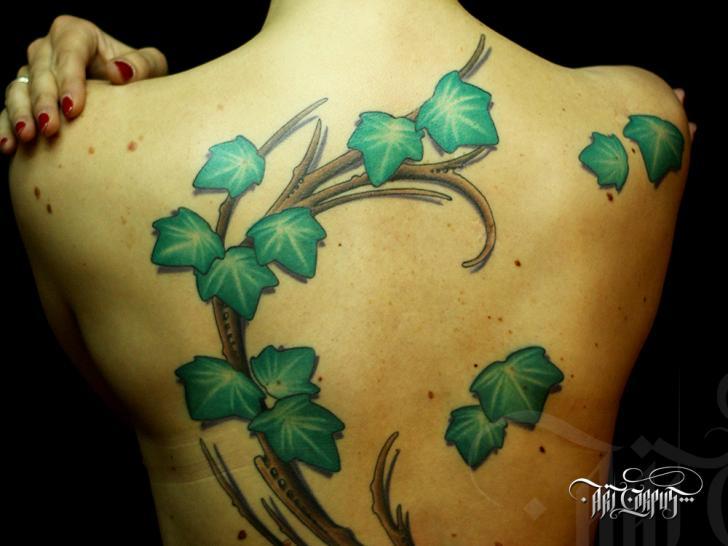 Realistische Rücken Blätter Tattoo von Art Corpus