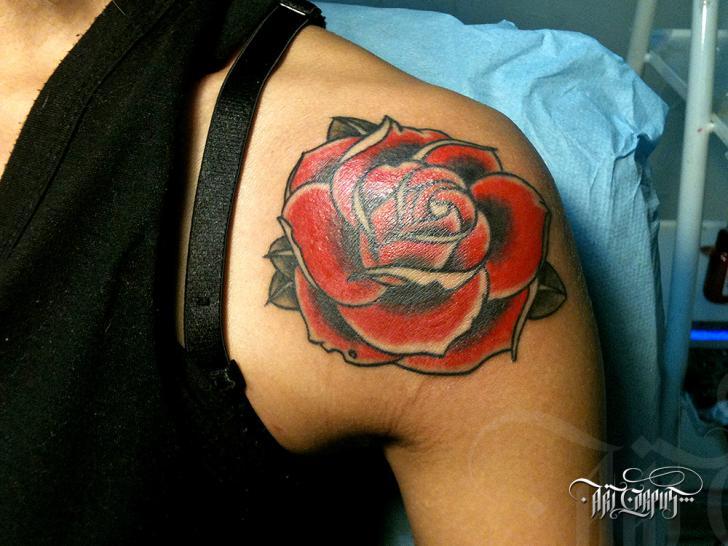 Shoulder Old School Flower Tattoo by Art Corpus