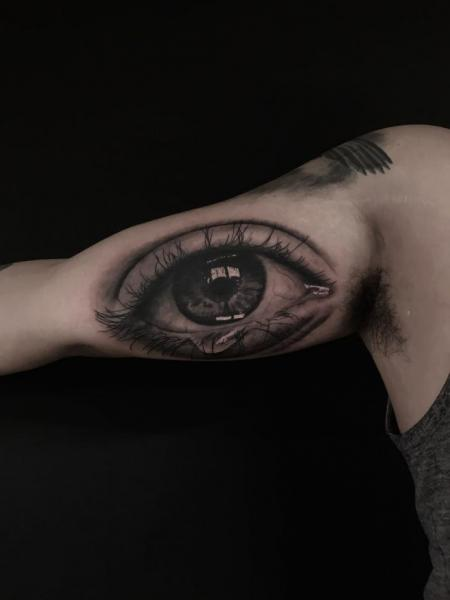 Arm Realistic Eye Tattoo by Invisible Nyc