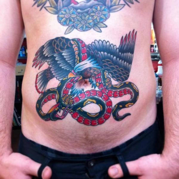 Schlangen Old School Adler Bauch Tattoo von Iron Age Tattoo