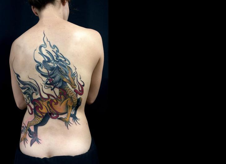 Rücken Pferd Tattoo von Belly Button Tattoo Shop