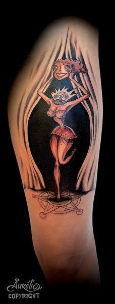 Fantasie Bein Charakter Tattoo von Belly Button Tattoo Shop