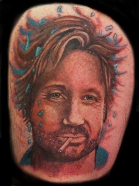 Tatuaje Retrato Realista por Lone Wolf Tattoo