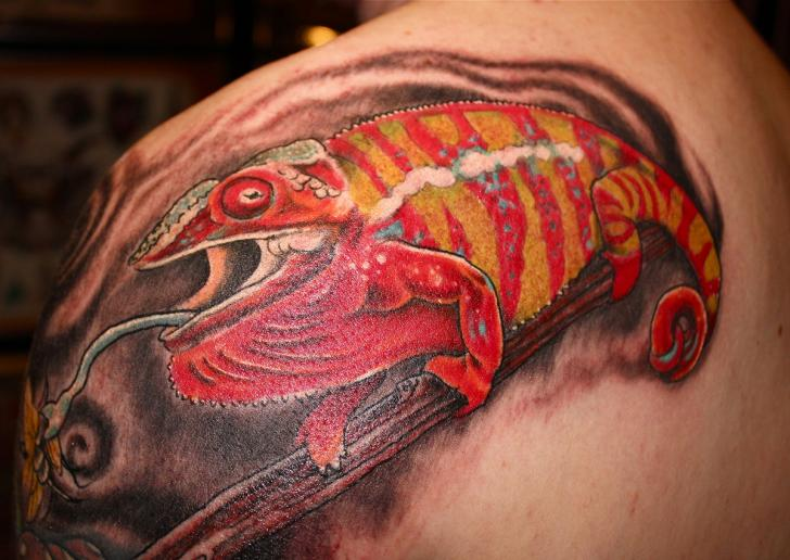 Shoulder Chameleon Tattoo by Lone Wolf Tattoo