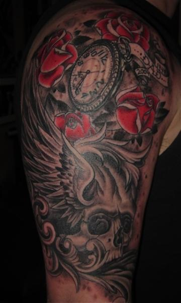 Tatuaż Ramię Zegar Czaszka Przez Memorial Tattoo