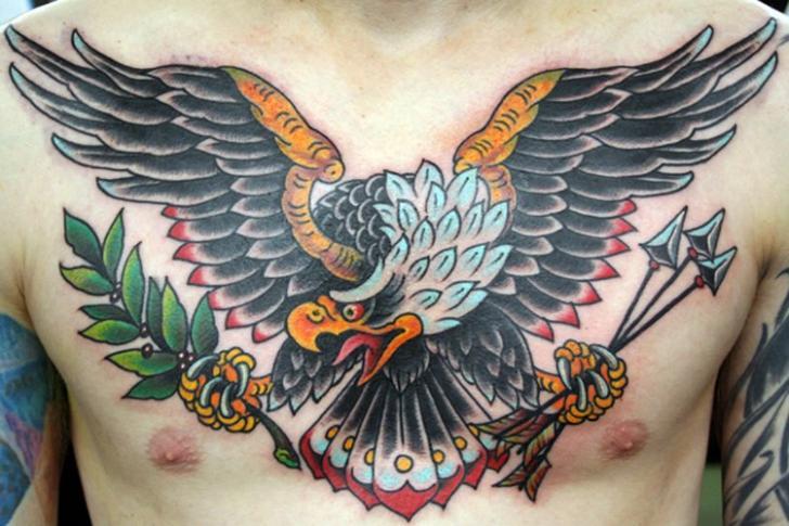 Brust Old School Adler Tattoo von NY Adorned