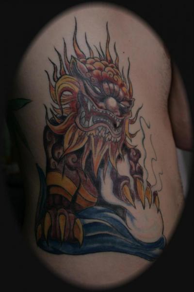 Fantasie Seite Drachen Tattoo von Oregon Coast Tattoo