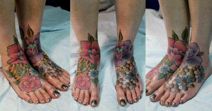 Old School Foot Flower Bee Tattoo by Pain and Wonder