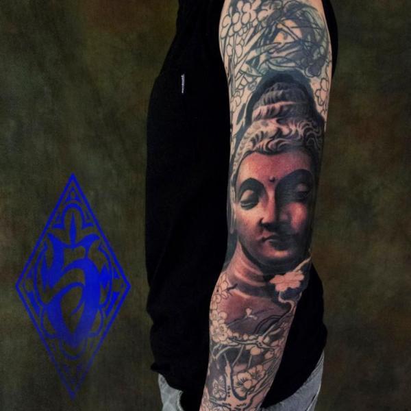 Tatouage Bras Bouddha Religieux Par Plurabella Tattoo