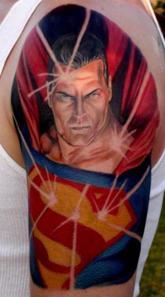Schulter Fantasie Superman Tattoo von Proton Tattoo