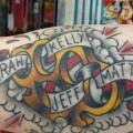 Arm Old School Name tattoo von Sakura Tattoos