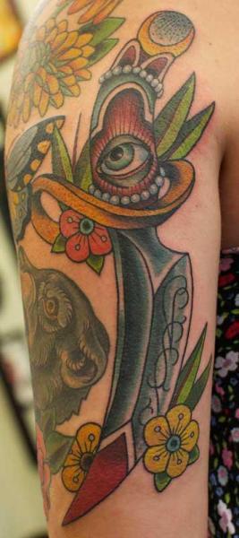 Old School Dolch Tattoo von Salvation Gallery