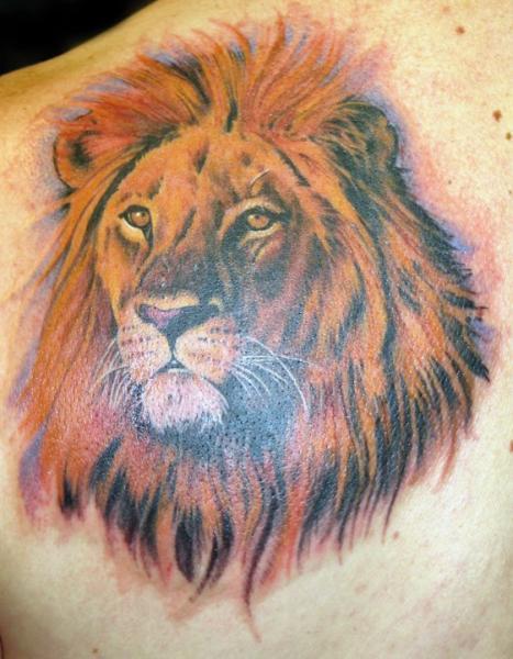 Shoulder Realistic Lion Tattoo by Club Tattoo