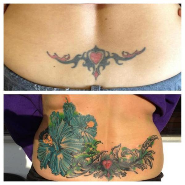 Tatuaggio Fiore Schiena Cover-up di The Blue Rose Tattoo