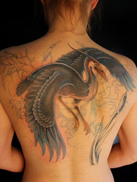 Realistische Rücken Vogel Tattoo von Vitality Tattoo