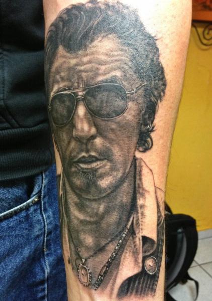 Arm Porträt Realistische Tattoo von Andys Tattoo