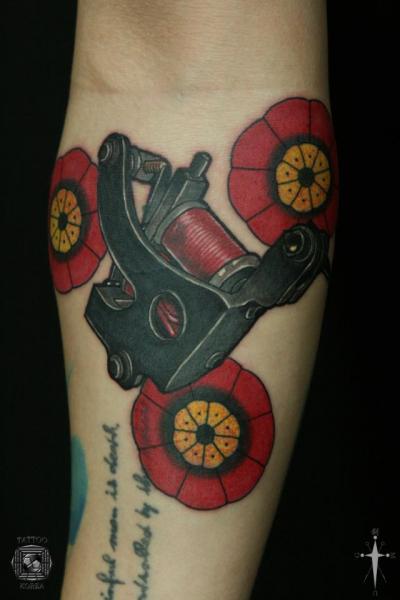 Arm Old School Tattoo Machine Tattoo by Tattoo Korea