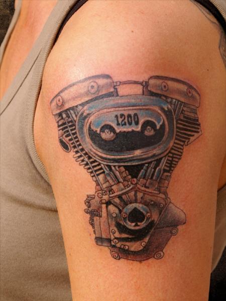 Arm Realistische Motor Tattoo von Andys Body Electric