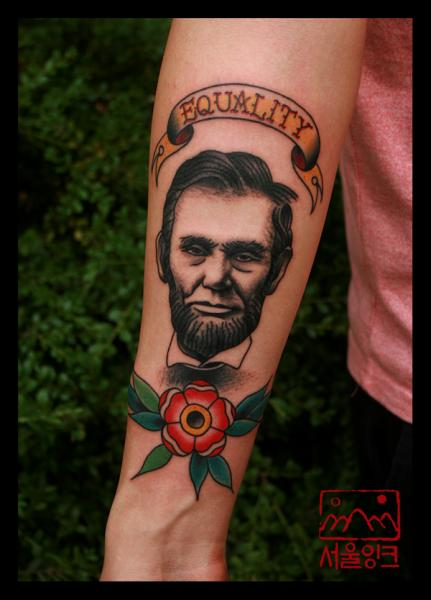 Arm Realistic Flower Lincoln Tattoo by Seoul Ink Tattoo